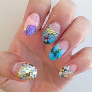 Нарощенные ногти, лунный маникюр на морскую тему