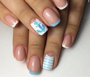 Простейшие рисунки на ногтях, нежный морской френч в бело-голубых тонах