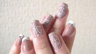 Пастельный маникюр, ажурные рисунки на ногтях