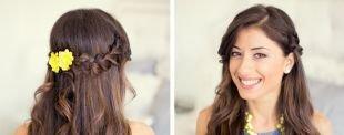 """Шоколадно коричневый цвет волос на длинные волосы, прическа на новый год - """"мальвинка"""" с плетением, украшенная цветком"""