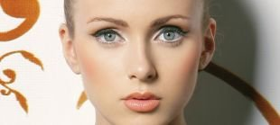 Свадебный макияж для блондинок с голубыми глазами, нежный макияж на последний звонок