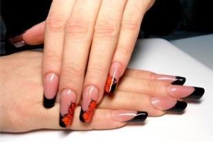 Рисунки с листьями на ногтях, черный френч с китайской росписью