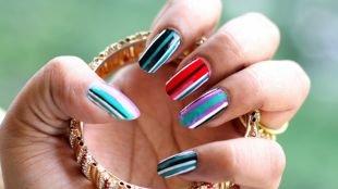 Дизайн нарощенных ногтей, разноцветный маникюр в полоску