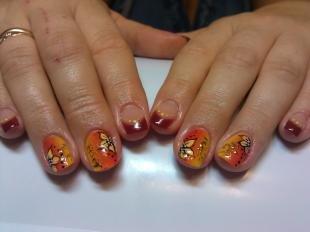 Коралловые ногти с рисунком, осенний градиентный маникюр с цветами