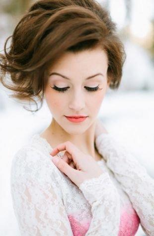 Свадебный макияж в персиковых тонах, свадебный макияж для карих глаз в пастельных тонах