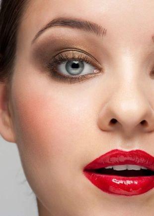 Макияж для брюнеток с серыми глазами, макияж с золотистыми тенями: темный цвет волос и светлые серо-голубые глаза