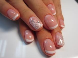 Розовый френч, нежный свадебный френч на короткие ногти