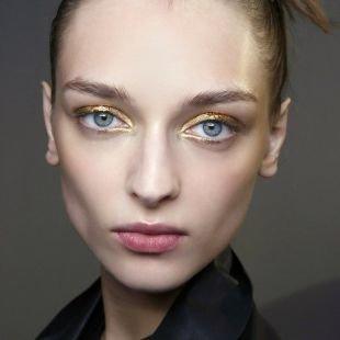 Макияж на выпускной для голубых глаз, весенний макияж с золотыми тенями