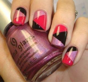 Геометрические рисунки на ногтях, рисунок на ногтях скотчем в розово-серебристо-черной гамме