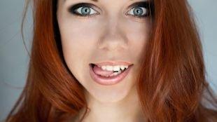 Макияж на выпускной для голубых глаз, дымчатый макияж для серых глаз и рыжих волос