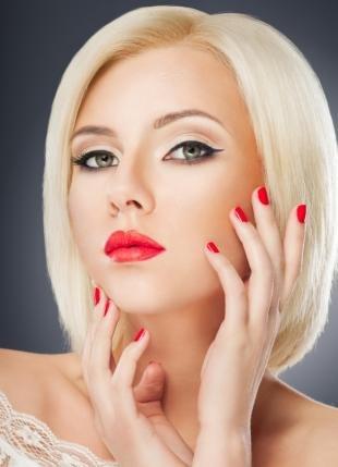 Макияж для блондинок с красной помадой, праздничный макияж для яркой блондинки