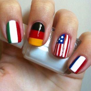 """Рисунки дотсом на ногтях, аккуратный маникюр """"флаги"""" на коротких ногтях"""