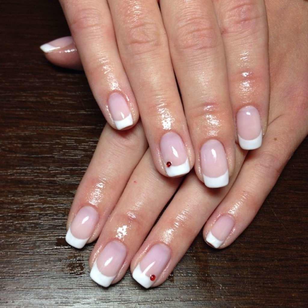 Белый френч шеллак на короткие ногти фото