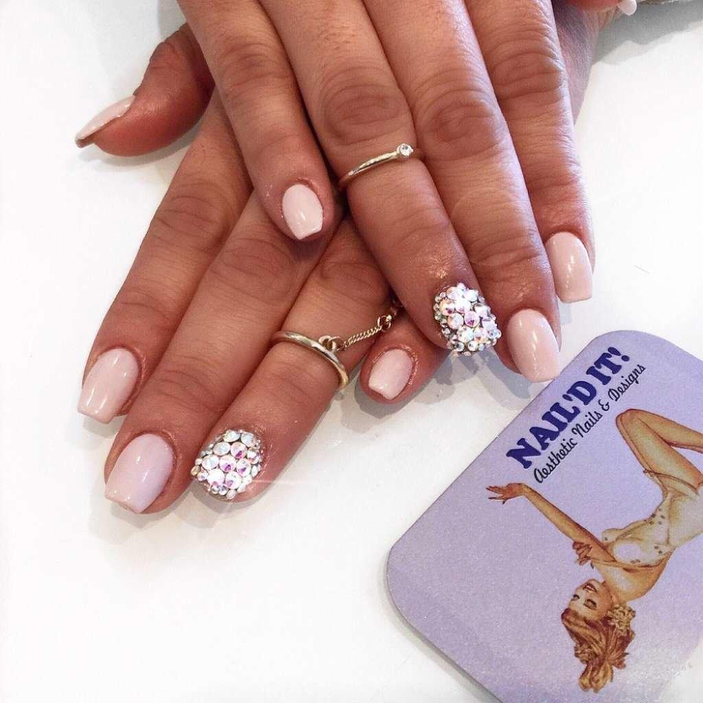 Гламурные ногти со стразами 117