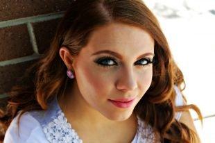 Макияж для голубых глаз, выразительный летний макияж
