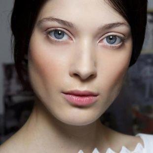 """Естественный макияж для голубых глаз, весенний макияж в стиле """"нюд"""""""
