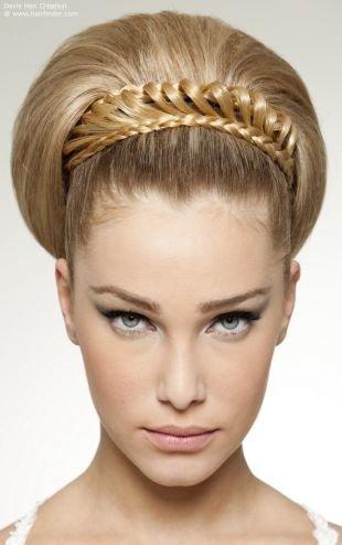 Модные прически на длинные волосы, прическа объемная бабетта с фигурной косой