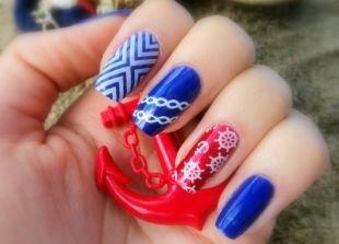 """Простейшие рисунки на ногтях, маникюр """"морячка"""" с использованием синего, красного и белого лаков"""