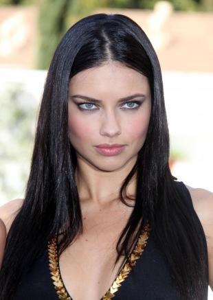 Иссиня-черный цвет волос
