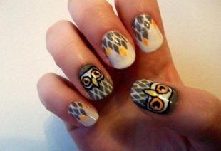 Оригинальные рисунки на ногтях, изображение совы на ногтях
