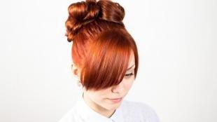 Ярко рыжий цвет волос, вечерняя прическа на длинные волосы