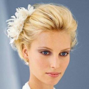 Прически с цветами на короткие волосы, чудесная свадебная прическа на короткие волосы