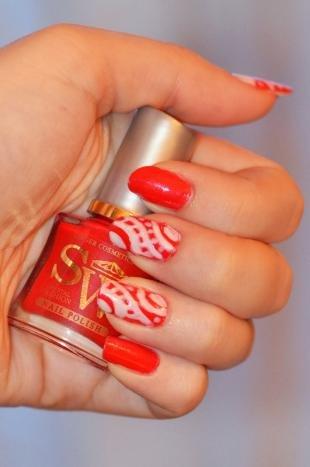 Коралловые ногти с рисунком, красный маникюр с простыми рисунками