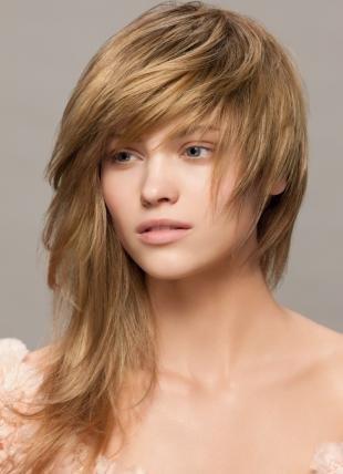 Цвет волос ольха, модная стрижка на длинные волосы
