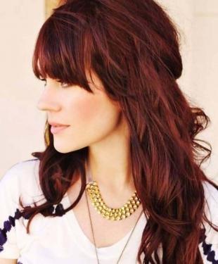Красно коричневый цвет волос, рубиновые волосы