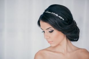 Греческая причёска с повязкой на средние волосы, греческая прическа на свадьбу