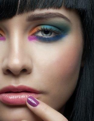 Клубный макияж, броский макияж для серо-голубых глаз