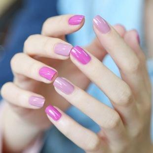 Маникюр шеллак, двухцветный маникюр в розовой гамме