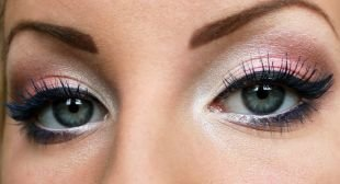 Яркий макияж для голубых глаз, макияж для серых глаз