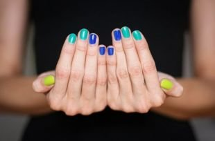 Маникюр по фен шуй, сине-зелено-желтый маникюр по фен-шуй