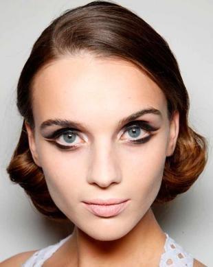 Египетский макияж, двойные стрелки - новый модный тренд