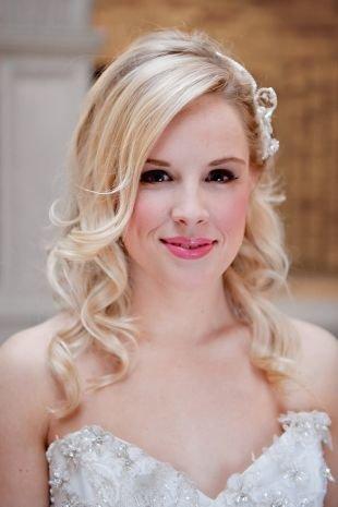 Свадебный макияж с нависшим веком, свадебный макияж для карих глаз в розовых тонах
