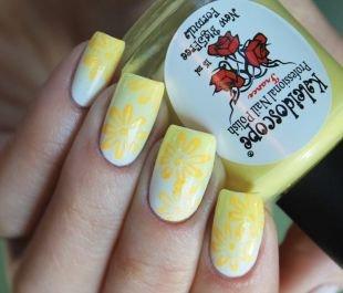 Желтый маникюр, цветочный маникюр с эффектом омбре