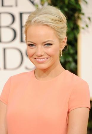Макияж для блондинок, натуральный макияж под персиковое платье