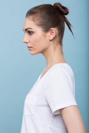 Темно русый цвет волос, повседневная прическа для редких волос