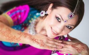 Индийский макияж, интенсивный макияж для серых глаз