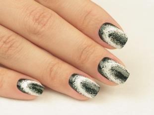 Серый маникюр, черно-белый дизайн ногтей